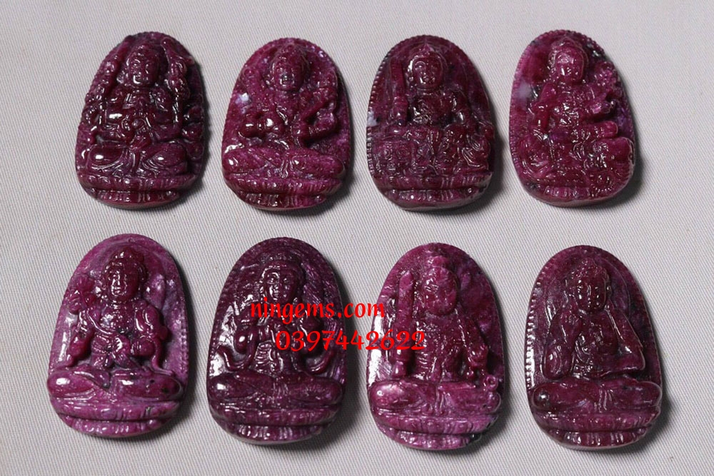Phật bản mệnh Văn Thù Bồ Tát đá ruby