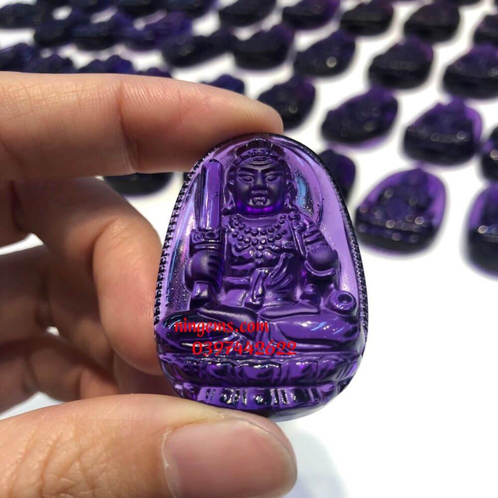 Phật bản mệnh Bất Động Minh Vương đá thạch anh tím