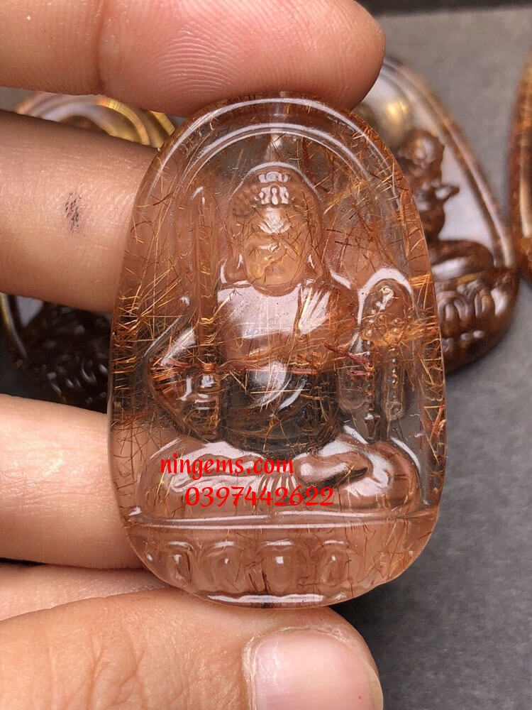 Phật bản mệnh Bất Động Minh Vương thạch anh tóc nâu đỏ