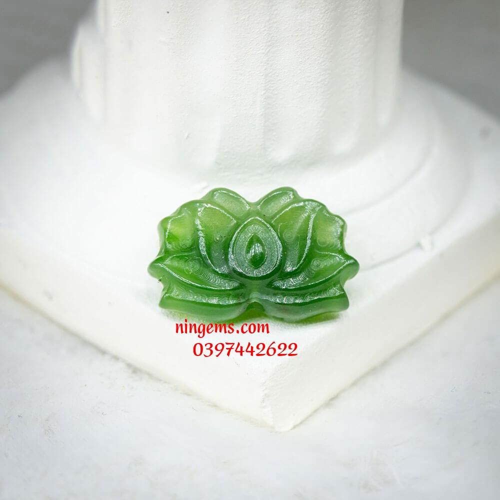 Hoa sen ngọc bích