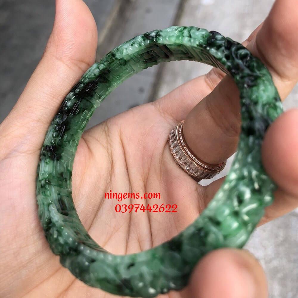 Vòng tay ngọc jadeit bản khắc vân