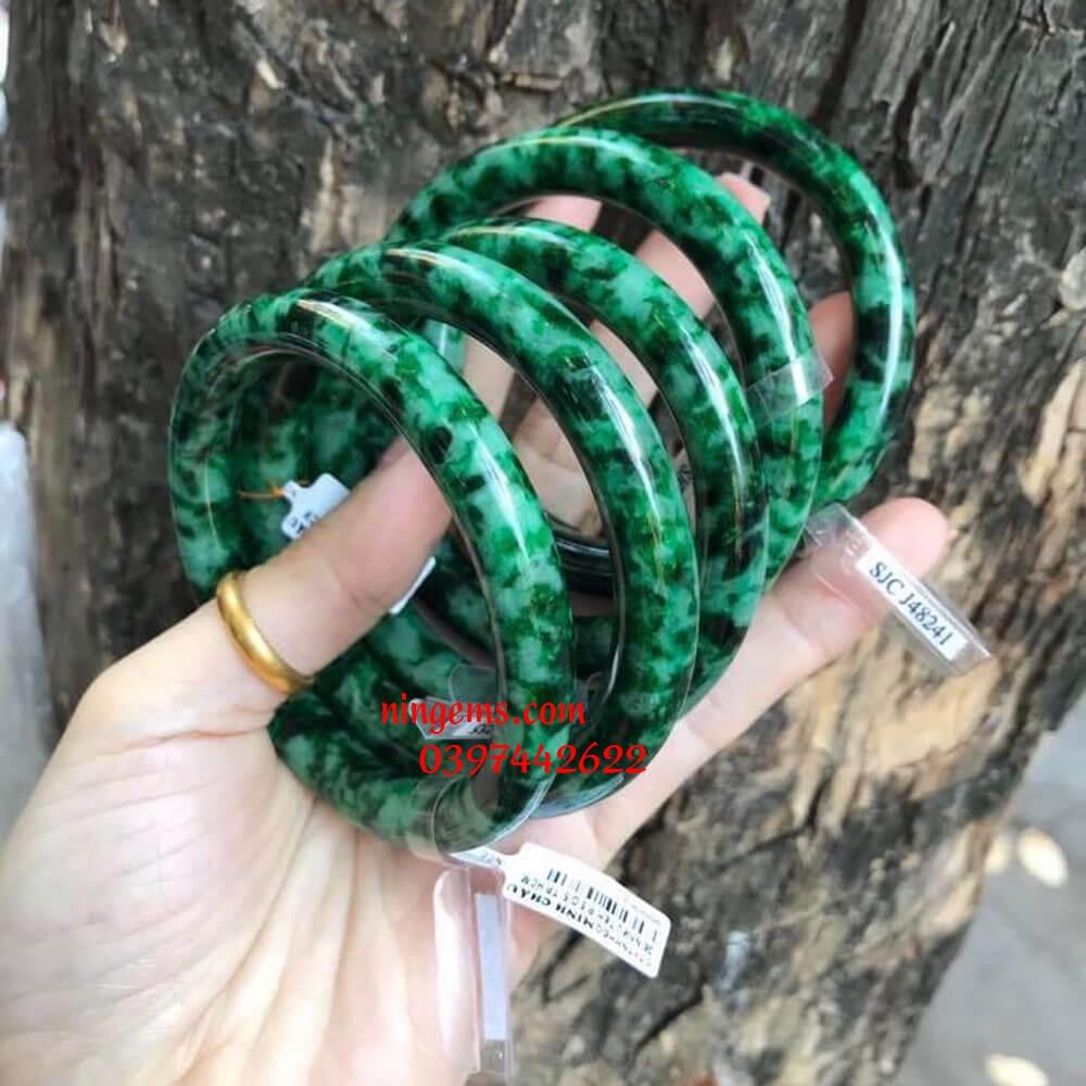 Vòng tay ngọc jadeit bản tròn
