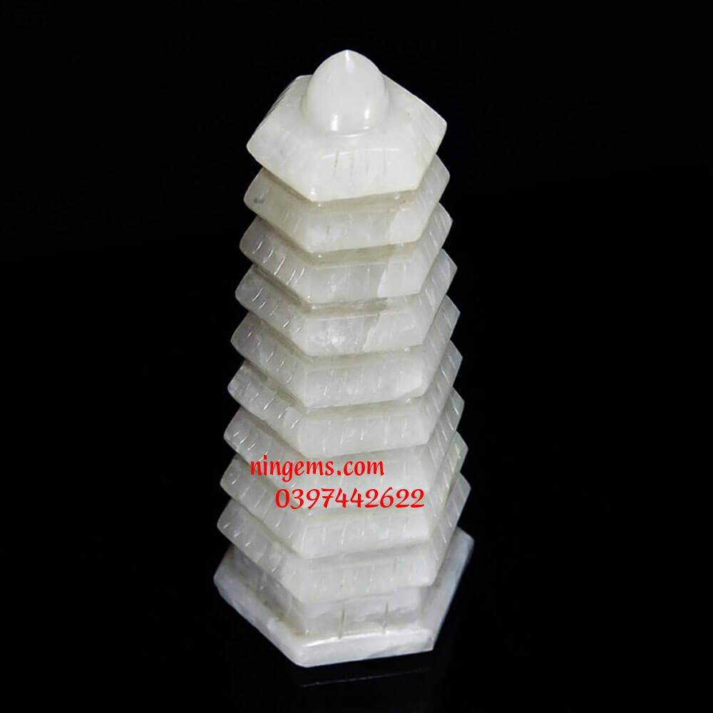 Tháp văn xương đá canxit trắng